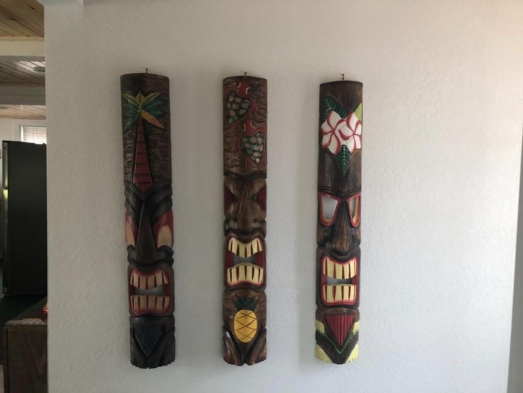 Tiki Cabin6